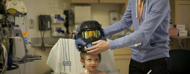 Bungie env�a un casco de Halo a un ni�o hospitalizado