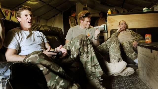 El Príncipe Harry cree que los videojuegos le han ayudado en la guerra