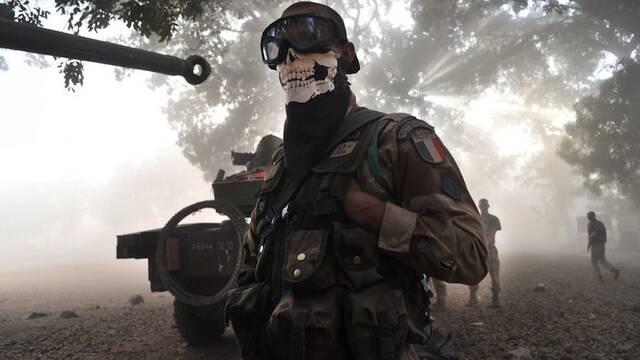 Francia censura al soldado que posó como Ghost de COD: Modern Warfare 2