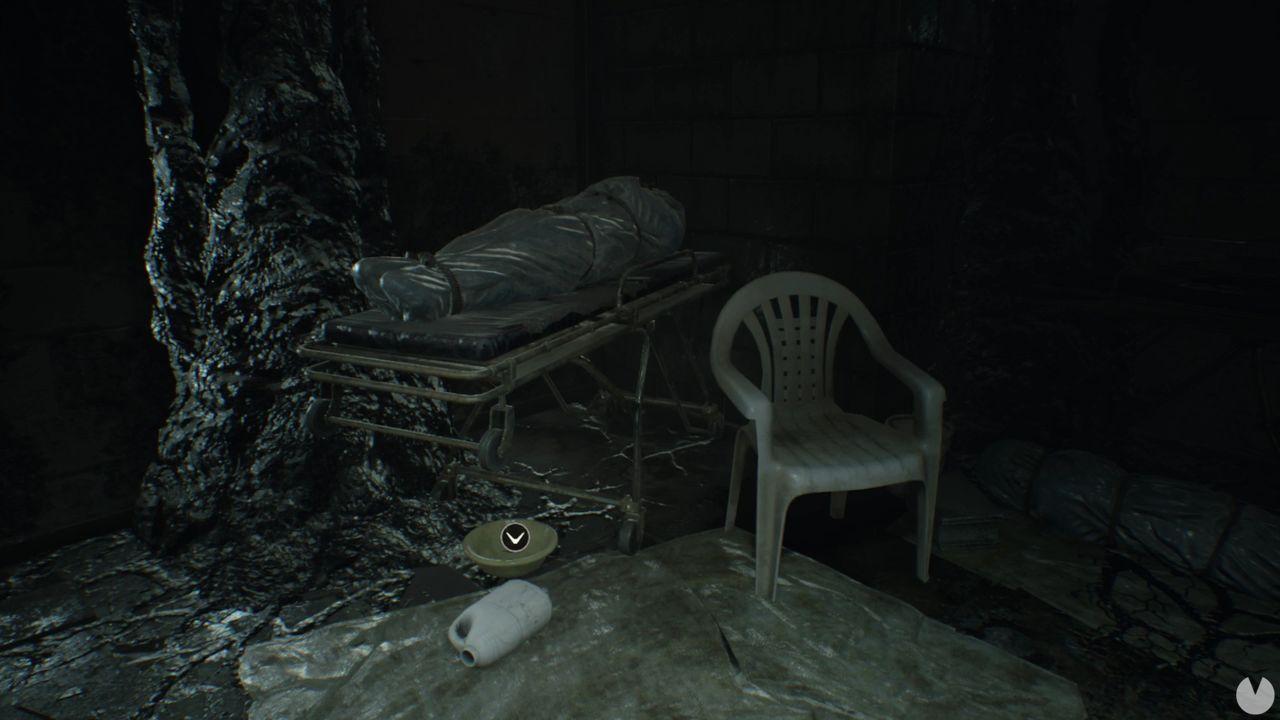 Moneda 8 dificultad manicomio Resident Evil 7
