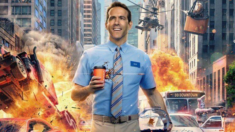 Ryan Reynolds a punto de ser aplastado tras caerse una valla