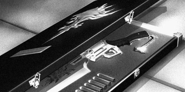 Final Fantasy VIII Remastered - Sable pistola en su caja