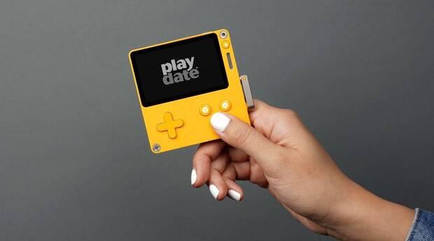 Así es Playdate, una original consola portátil con manivela Imagen 2