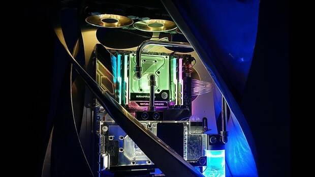 In Win pone a la venta una 'caja' de PC que cuesta 10.000 euros Imagen 2