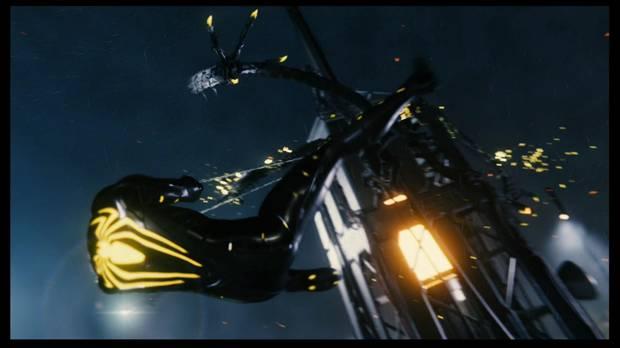 Marvel's Spider-Man - Pax in bello: cuélgate de la torre para atacar