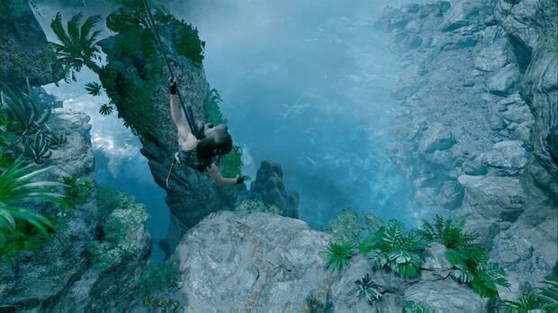 Shadow of the Tomb Raider - Baja haciendo rápel