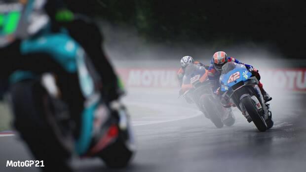 MotoGP 21 modo carrera mejorado