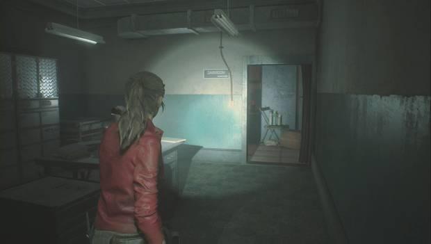 Resident Evil 2 - Encuentra los 3 medallones: entrada al cuarto oscuro