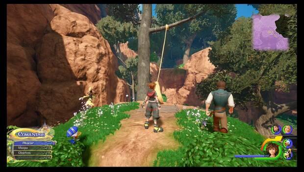 Kingdom Hearts 3 - Reino de Corona: rapunzel tiende una liana con su pelo
