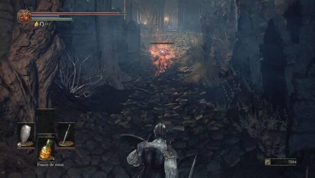 Dark Souls III - Catedral de la Oscuridad: enemigo kamikaze cerca de la Catedral