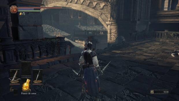 dark Souls III - Catedral de la oscuridad: barandilla rota que nos permite usar los tejados como pasarelas