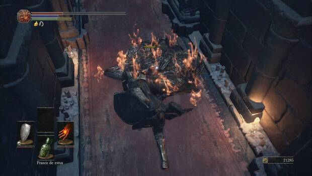 Dark Souls III - Catedral de la oscuridad: la babosa es vulnerable a los ataques de fuego