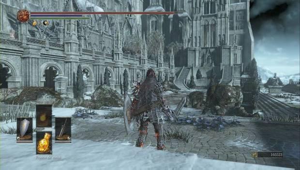 Dark Souls III - Irithyll del Valle Boreal: patio que en realidad es una trampa mortal