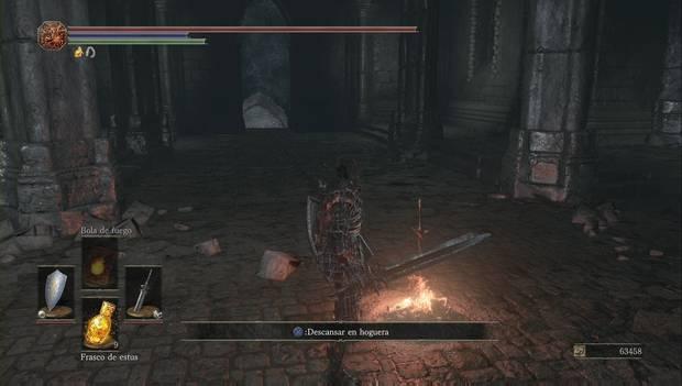 Dark Souls III - Irithyll del Valle Boreal: escaleras para bajar a los sótanos de la iglesia