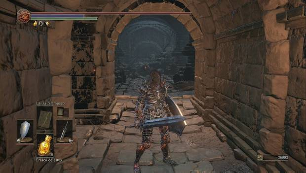 Dark Souls III - Lago ardiente: este muro desaparece al golpearlo