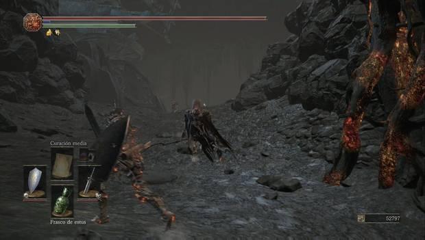 Dark Souls III - Lago Ardiente: esqueleto de ojos rojos al pie de la cuesta