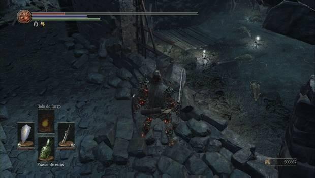 Dark Souls III - capital profanada: muro destruido de acceso a la mazmorra