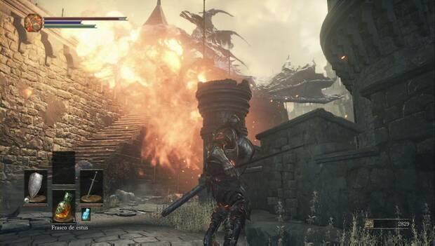 Dark Souls III - Gran Muro de Lothric: un dragón prende fuego a la zona