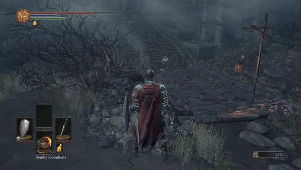 Dark Souls III - Asentamiento de no muertos: Enemigos esperando al pie de las escaleras del Asentamiento