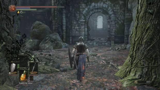 Dark Souls III - Camino de los sacrificios: puerta en la muralla del pantano del camino de los sacrificios