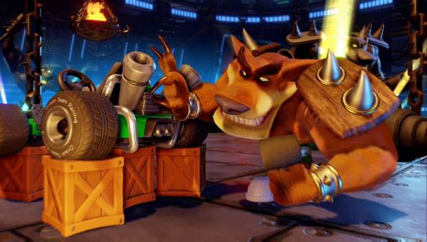 Crash Team Racing Nitro-Fueled: Tiny Tiger en el taller