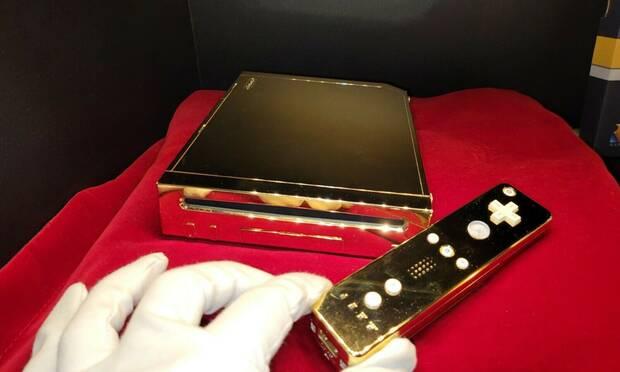 La Wii dorada de la Reina Isabel II se subasta en eBay