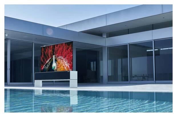 LG lanza la primera televisión enrollable del mundo con 4K HDR y por 87.000 dólares Imagen 3