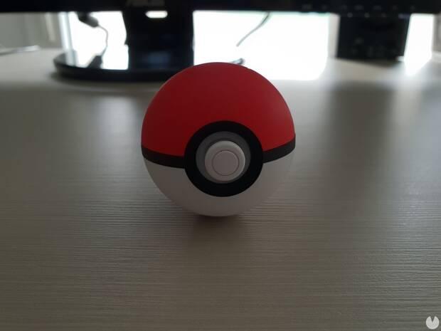 Controles de la Pokéball Plus en Pokémon Let's Go