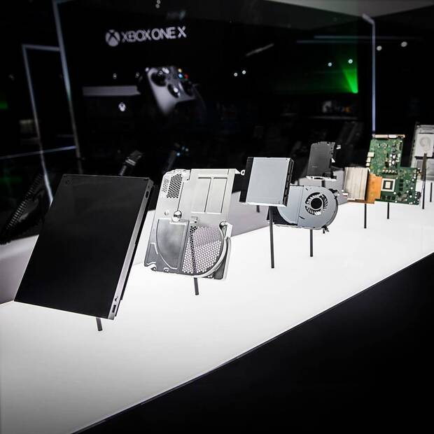 Microsoft enseña en vídeo Xbox One X pieza a pieza Imagen 2