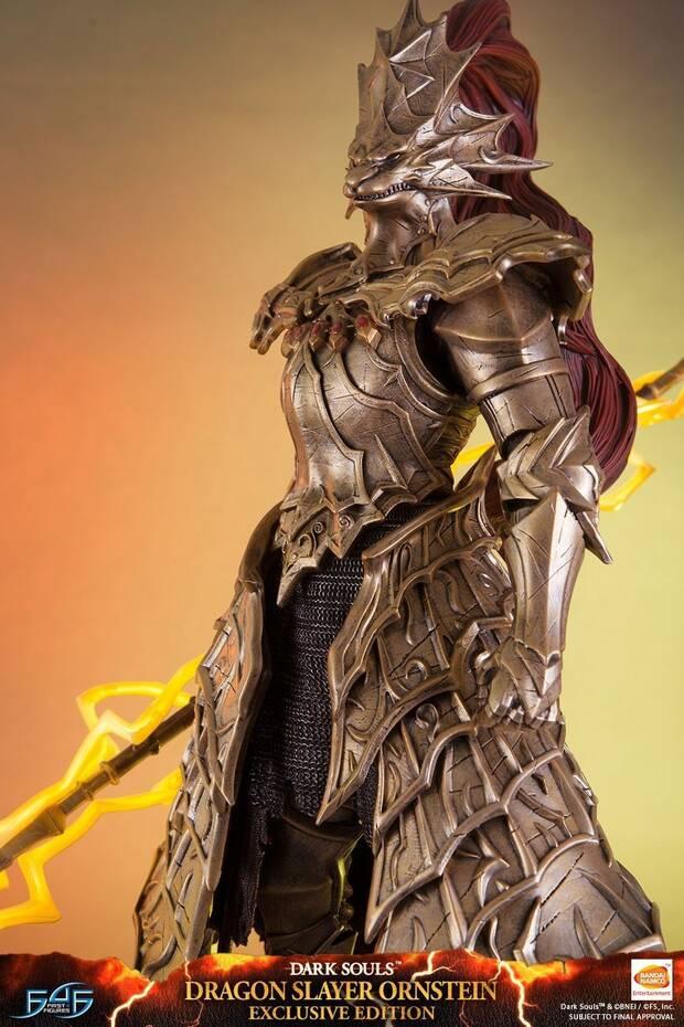 First 4 Figures anuncia una estatua de Ornstein de Dark Souls Imagen 2