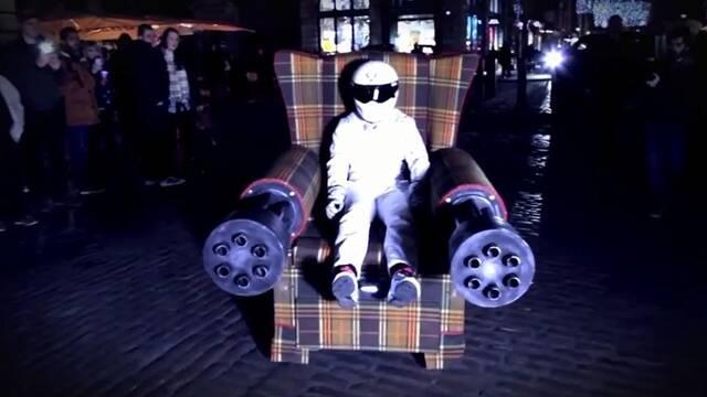 Un sillón con ametralladoras por Londres para celebrar el lanzamiento de Saints Row: Gat out of Hell