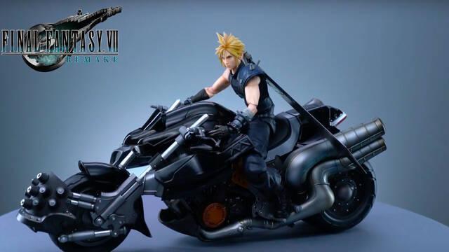 Cloud en su moto