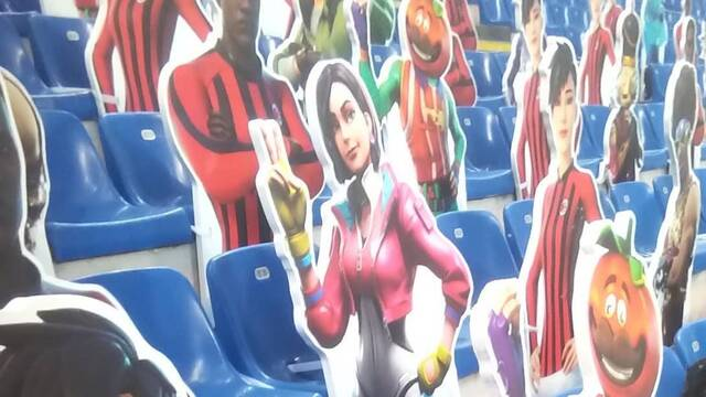Fortnite estadio ac milan público cartón