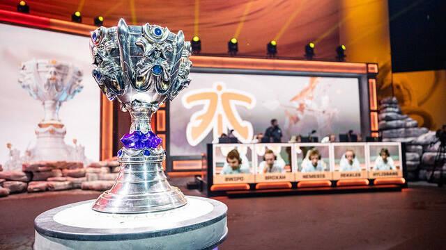 El trofeo de los Worlds 2019, en Madrid