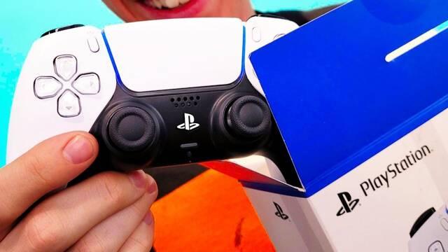 Primer unboxing del mando de PS5.