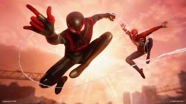 Spider-Man: Miles Morales y el movimento del nuevo Spider-Man.
