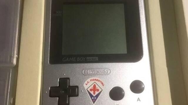 La extraña Game Boy de la Fiorentina, uno de los modelos más exclusivos