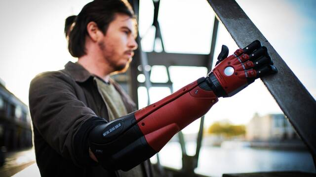 Hero Arm de Open Bionics recibe el aspecto Venom Snake