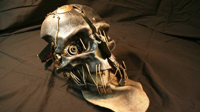 Recrean la máscara de Corvo, de Dishonored