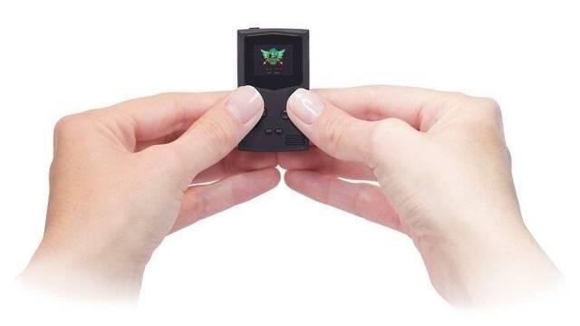 Así es PocketSprite, la Game Boy Color en miniatura