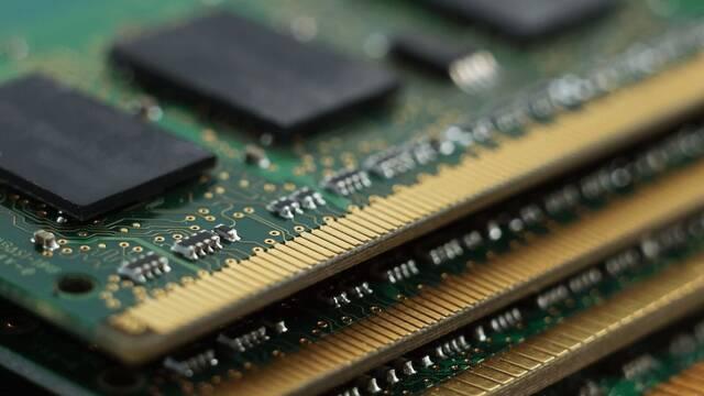 Analizan la memoria RAM que consumen en PC los 'launchers' de las tiendas