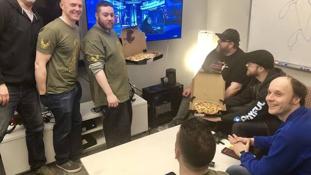 Fans envían pizzas a 343 Industries tras el anuncio de Halo: MCC en PC