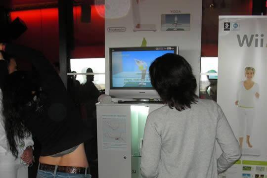 Wii Fit arrasa entre la prensa española