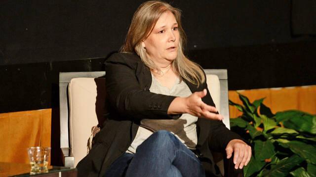 Amy Hennig: 'Los juegos cada vez son más grandes y la mayoría no los termina'