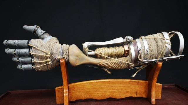 Sekiro: Un fan crea un espectacular brazo protésico inspirado en el juego