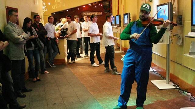 Charles Martinet presenta Super Mario Galaxy 2 en Madrid
