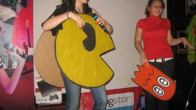 La cantante y actriz Angy entrega los premios de la final de SingStar Live!
