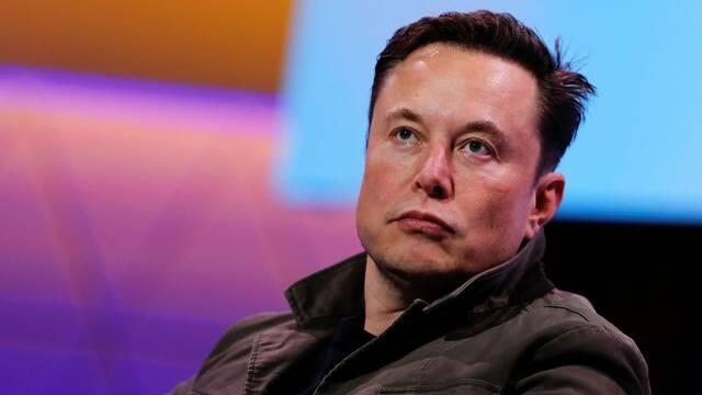 Elon Musk niega el reconocimiento a una artista fan de NieR: Automata