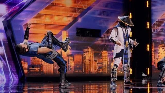 Contorsionistas parodian Mortal Kombat en el programa America's Got Talent