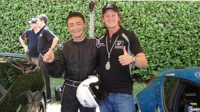 El creador de Gran Turismo se reúne con los mejores pilotos